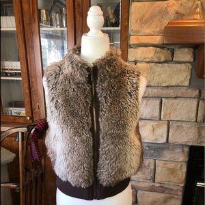 Copper Key faux fur vest size 10/12 girls in EUC